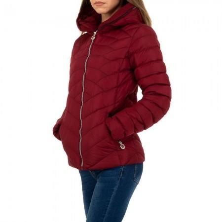 Cappotto piumino rosso donna aderente imbottito trapuntato con cappuccio