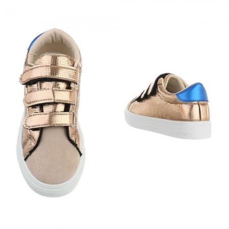 Sneakers basse casual in ecopelle laminata lucida e chiusura a strappi