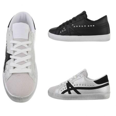 Sneakers basse in ecopelle con parte scamosciata borchie decorative e lacci